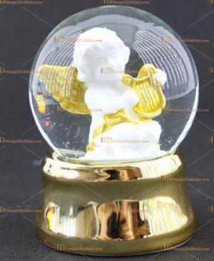 Altın sarısı melekli kar küresi
