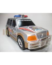 Polis jeep yüksek siren gücü