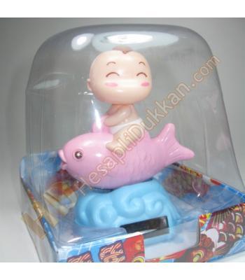 Güneş enerjili balıklı bebek sevgiliye hediye