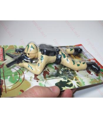 Toptan oyuncak sürünen asker kurmalı
