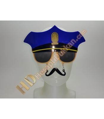 Polis şapkası bıyıklı gözlük