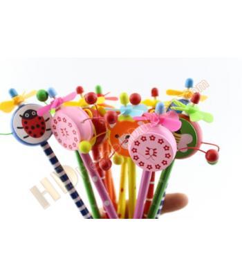 Oyuncaklı kalem davullu pervaneli ahşap