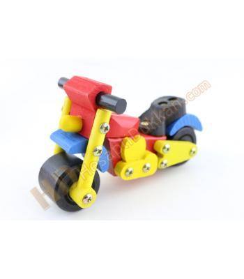 Sökülebilir vidalı ahşap eğitici oyuncak motosiklet
