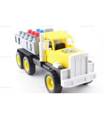 Büyük boy tüplü oyuncak kamyon