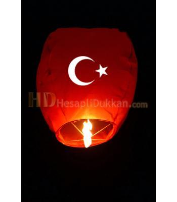 Bayraklı dilek feneri bayramların yeni süsü