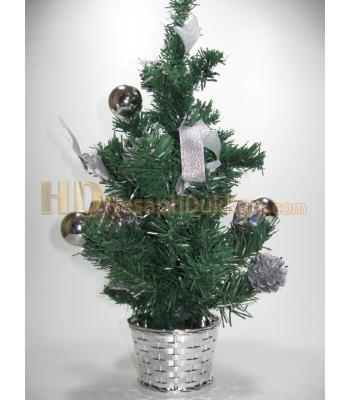 Minik yılbaşı ağacı saksıda gümüş renk