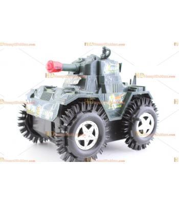 Toptan takla atan oyuncak araba taklacı tank