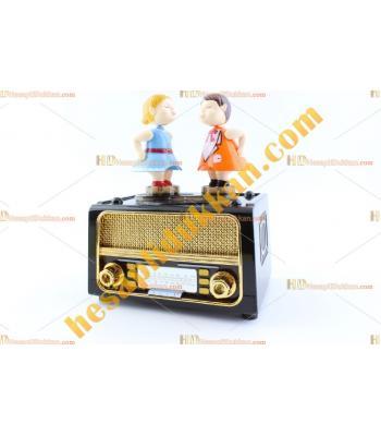 Toptan dans eden çift eski radyo müzik kutusu