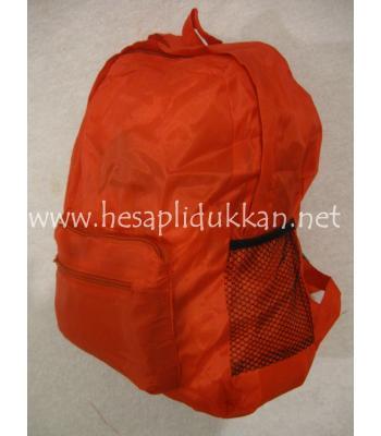 Katlanıp küçülebilen sırt çantası
