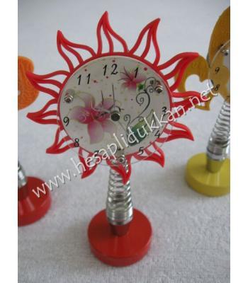 Sallanan yaylı dekoratif masa saatleri P759