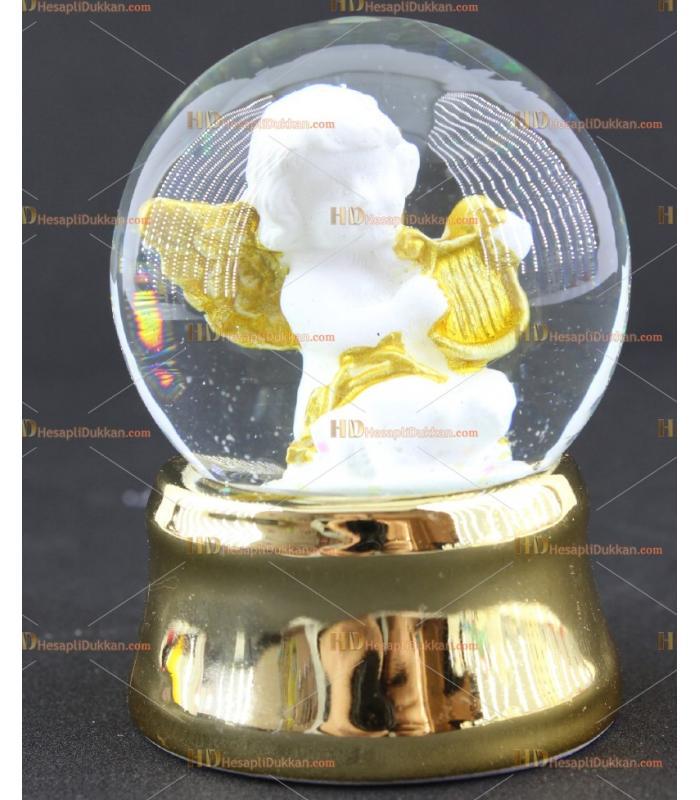 Altın yaldız tabanlı melek sulu kar küresi