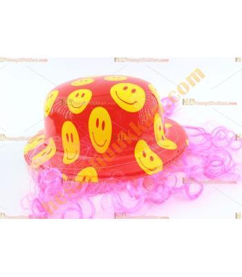 Toptan saçlı plastik parti şapkası gülen yüzlü kırmızı