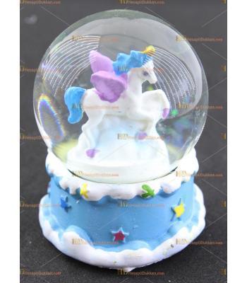Unicorn kar küresi
