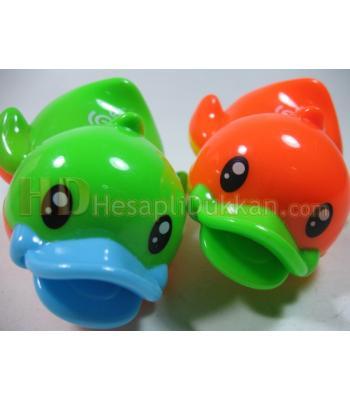 Suda yüzen kurmalı ördek toptan oyuncak