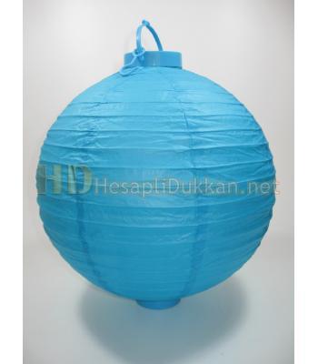Ağaca asılan pilli kağıt fenerler mavi