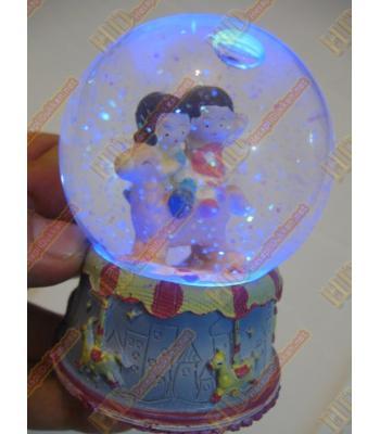 Işıklı noel baba figürlü yılbaşı hediyesi sulu fanus R284