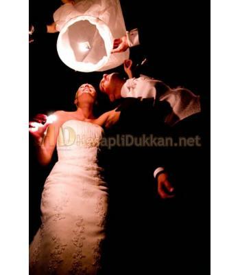 Düğünlerin ve nişanların yeni süsü dilek balonları